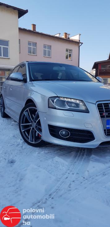 Audi S3 S-TRONIC F1